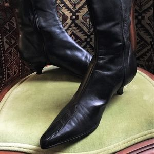 90's Nine West Black Leather Pointy Toe Boot